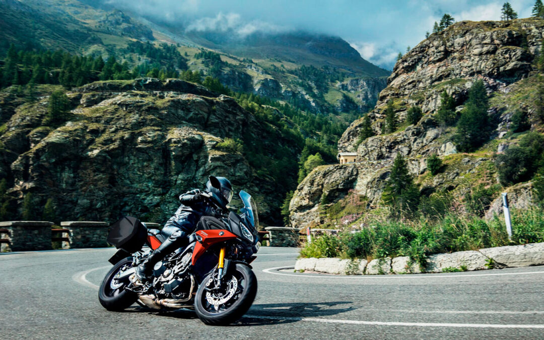 Descubre las mejores rutas en moto con YAMAHA